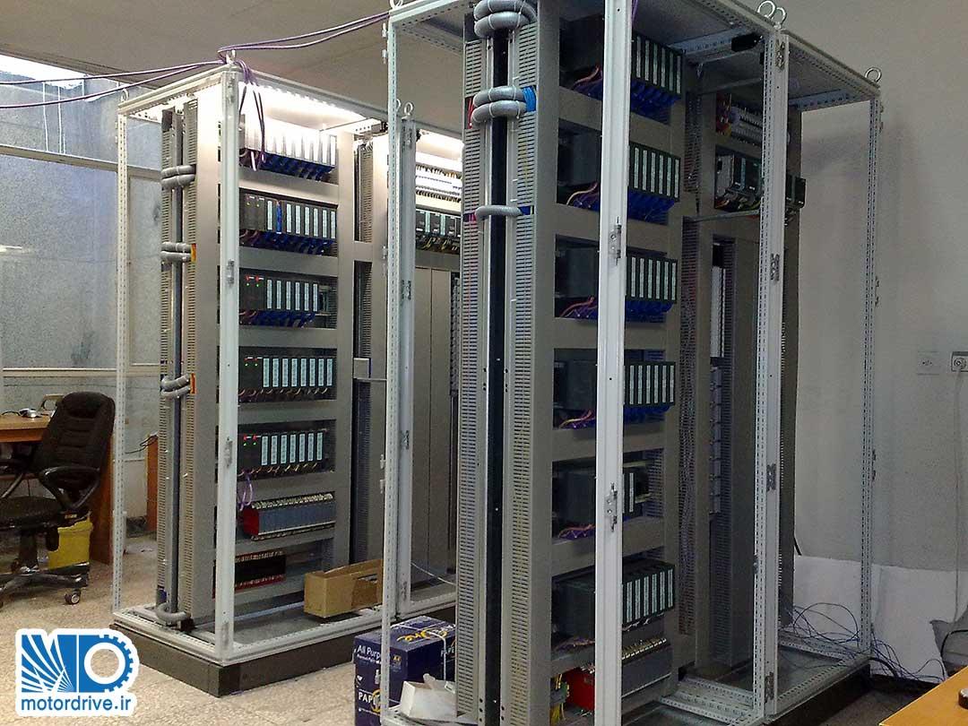 مونتاژ و ساخت تابلو های PLC کارخانه سیمان رفسنجان